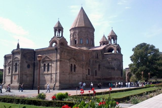 La cathédrale d Edjmiatsin du IVe siècle - Arménie