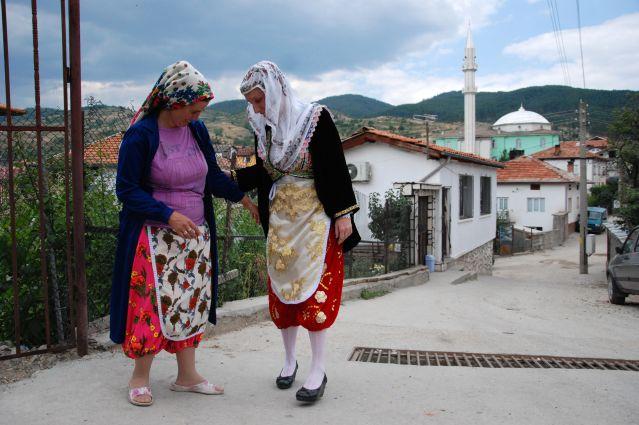 Rencontre au village de Ribhnovo - Région des Rhodopes - Bulgarie