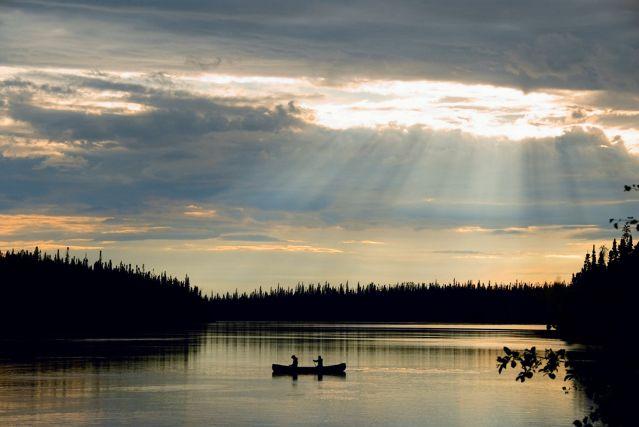 Canoë sur la rivière Bazin au Québec - Canada