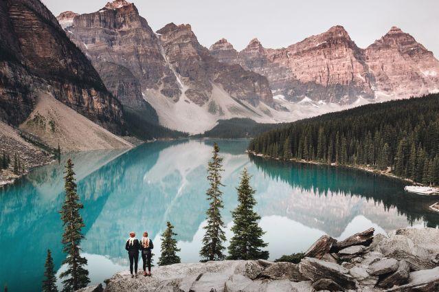 Vue sur le lac Moraine dans le Banff- Canada