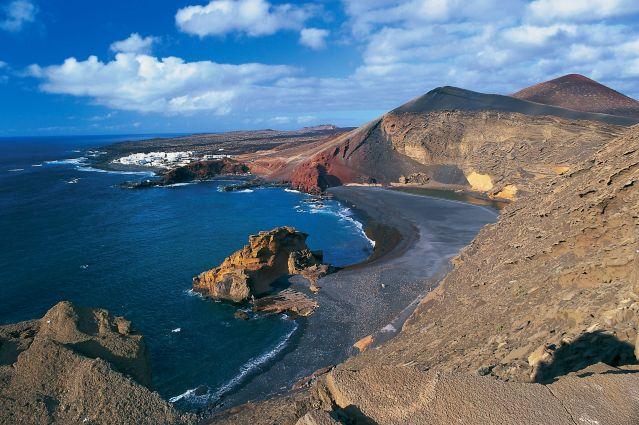 Lanzarote l le aux trois cents volcans randonn e lanzarote randonn e canaries s jour - Office tourisme lanzarote ...