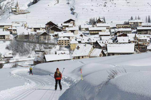 Ski de fond dans les cinq vallées du Queyras - France
