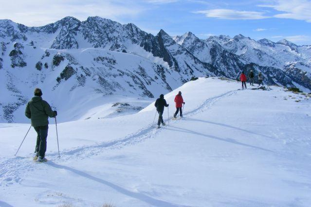 Randonnée raquette dans la région de Capcir dans les Pyrénées - France