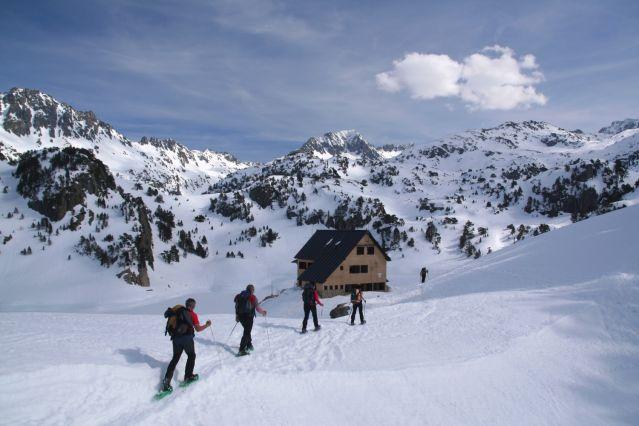 Randonnée raquette dans les Pyrénées - France