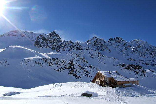 Refuge de la Blanche - Massif du Queyras - France