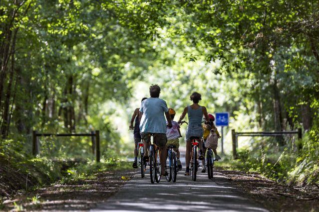 Voyage Les voies vertes du canal de Garonne en famille