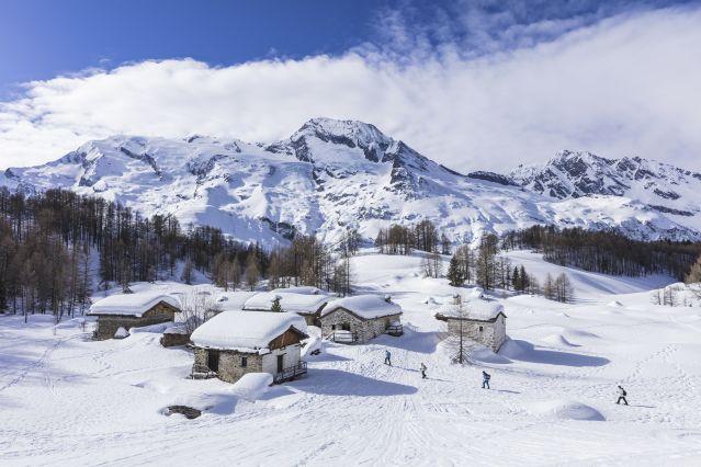 randonnée en raquettes avec vue sur le Mont Pourri - Le Monal -Tarentaise - Savoie - France