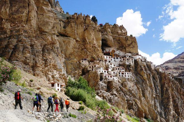 En arrivant au monastère de Phuktal - Zanskar - Inde