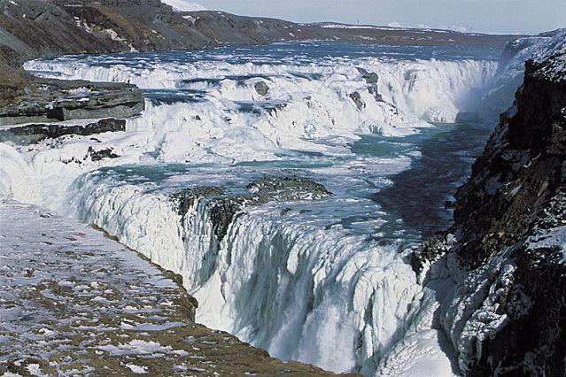 Voyage L'Islande givrée sous les aurores polaires