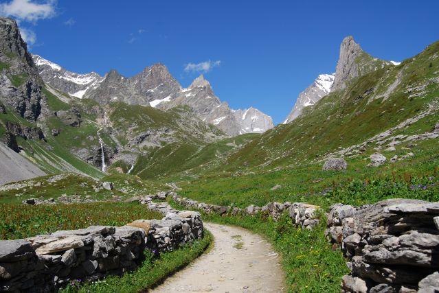Entre vanoise et grand paradis randonn e vanoise randonn e grand paradis trek france - Pralognan office tourisme ...