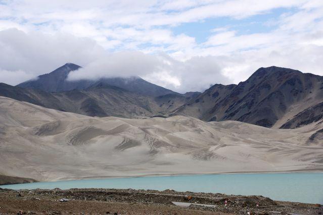 Montagnes blanches, entre Kashgar et le lac Karakol - Région de Kashgar - Xinjiang - Chine