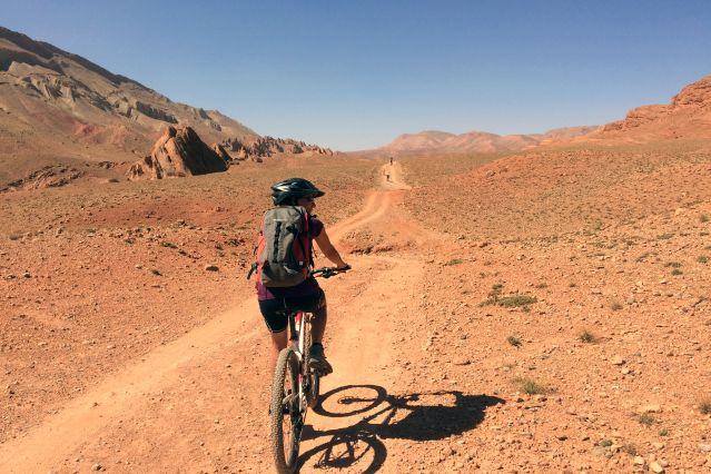 À VTT dans la vallée du M Goun - Maroc