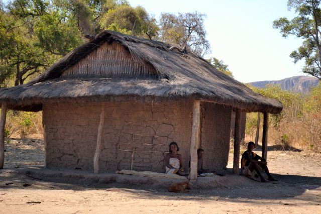 Trek madagascar randonn e madagascar travers e for Maison traditionnelle malgache