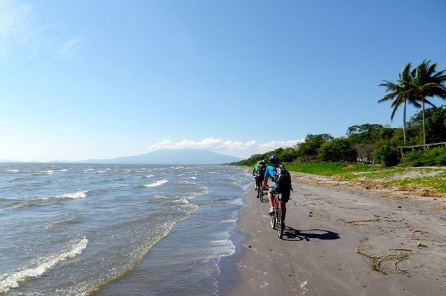 A vélo le long du lac Nicaragua - Nicaragua