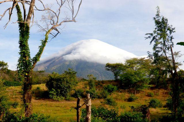 Nuage recouvrant le volcan Concepción - Île d Ometepe - Nicaragua