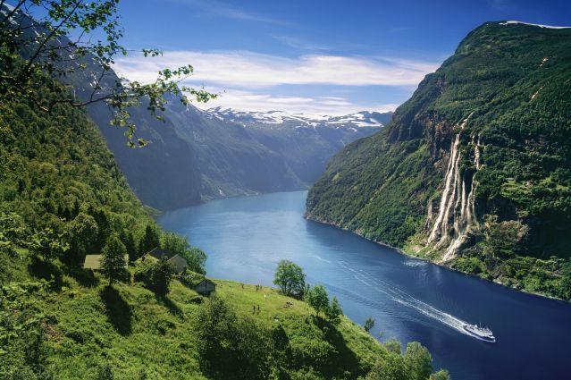 Cascade de Skageflå à Geiranger - Norvège