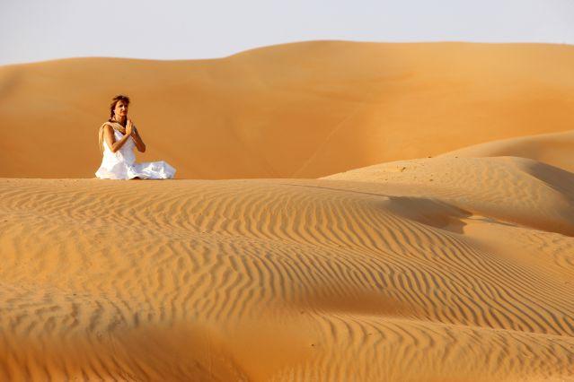 Méditation dans le désert - Oman