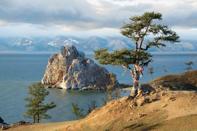 Le Cap Burhan sur le Lac Baikal - Russie