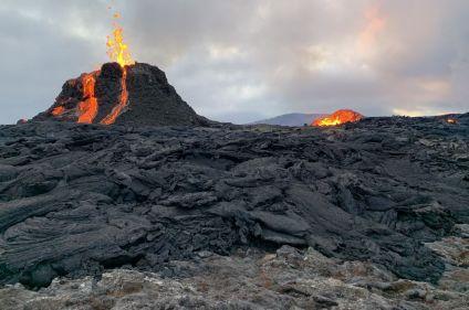 L'île aux volcans : voyage spécial éruption