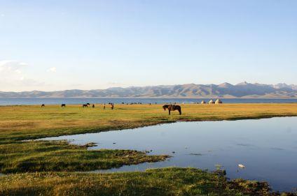 Lac Song Kul : trek en terre nomade
