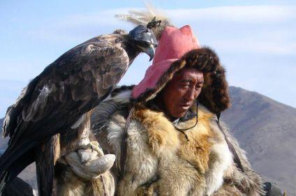 La fête de Nauriz avec les aigliers de Mongolie