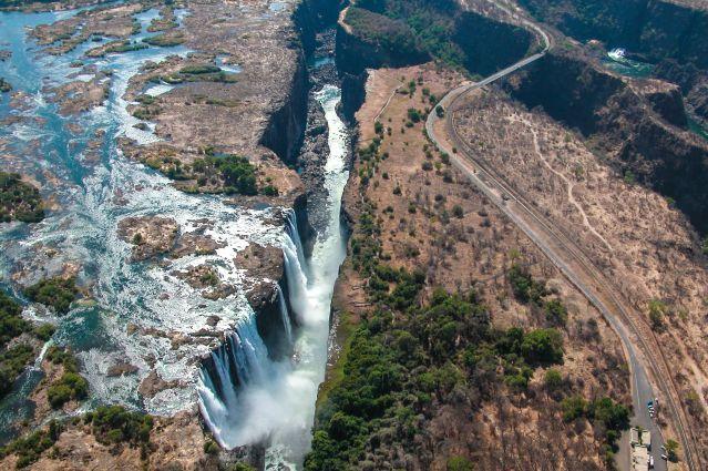 Survol des chutes Victoria - Province du Matabeleland - Zimbabwe