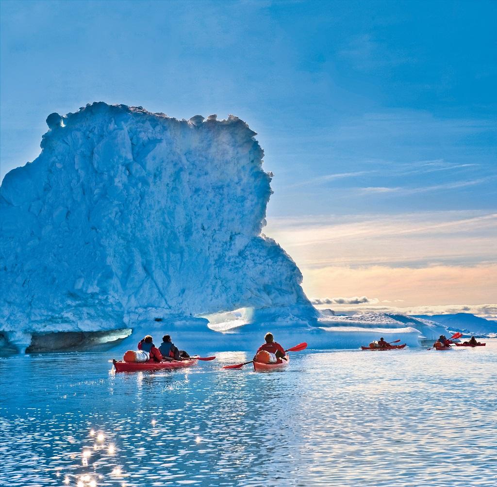 Expedition en kayak au milieu des icebergs, Groenland