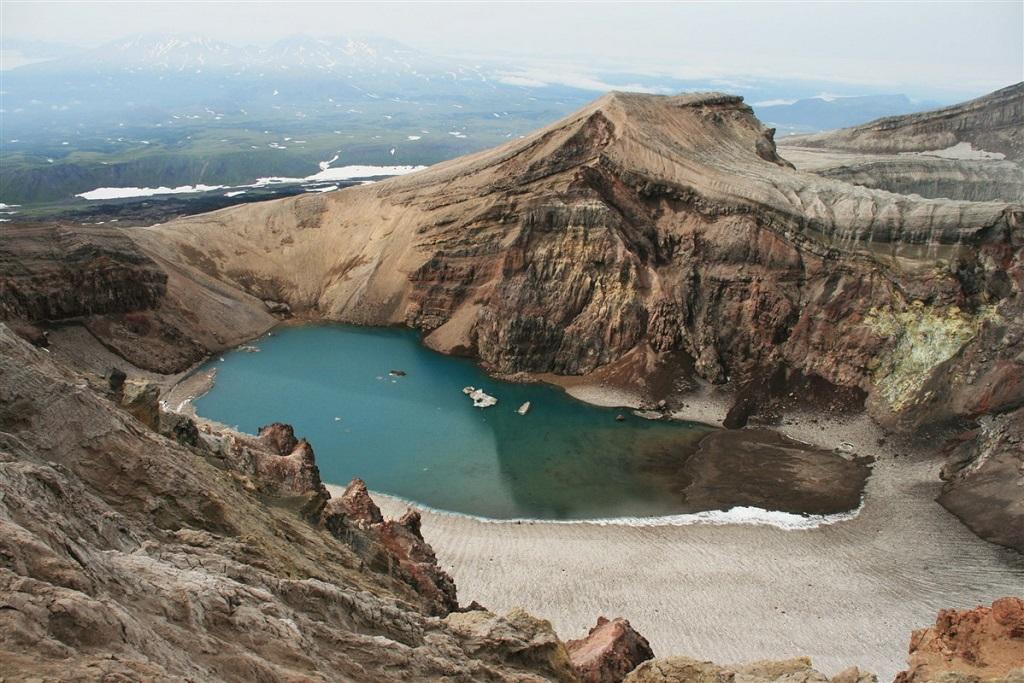 Le cratère du volcan Gorely