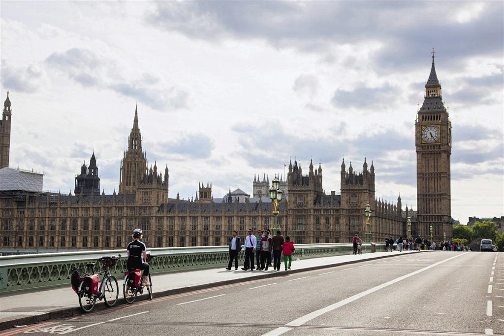 En arrivant vers Big Ben, à Londres