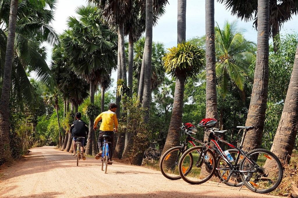 Piste du village de Tbeng - Cambodge