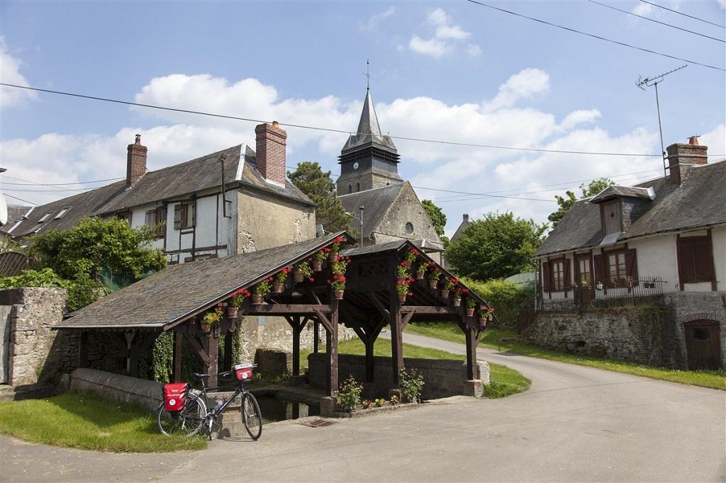 Petit village normand - ©Valentin Chemineau
