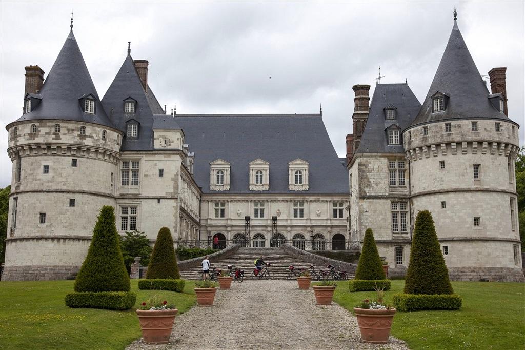 Au château de Mesnières-en-Bray, Seine-Maritime, Normandie - ©Valentin Chemineau