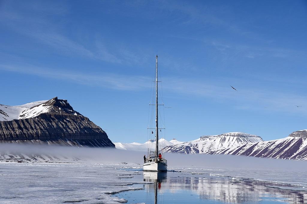 Le voilier Sillage, au Spitzberg - ©Marie-Diane Vanquathem