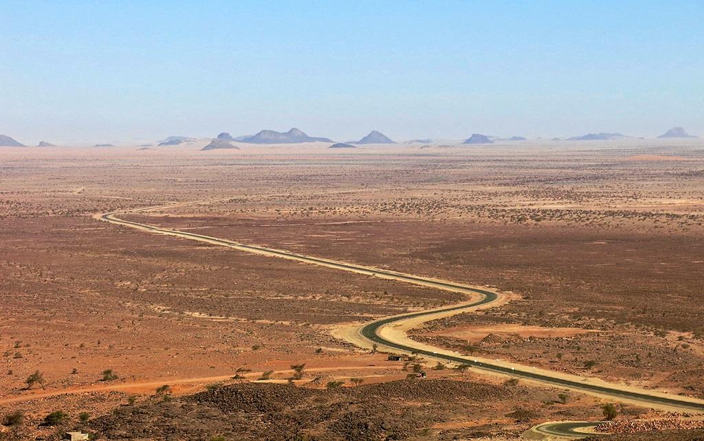 Région d'Amsaka, dorsale des Rgueibat - Le train du désert