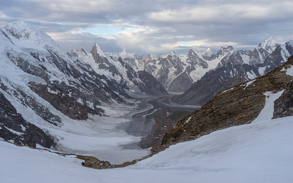 Col Gondogoro, Gilgit, Pakistan - ©Skazzjy / iStock