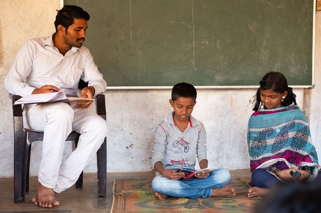 Le nombre restreint d'élèves par classe permet aux enseignants de s'assurer que chaque enfant progresse et atteint ses objectifs. - ©Luc Mercure