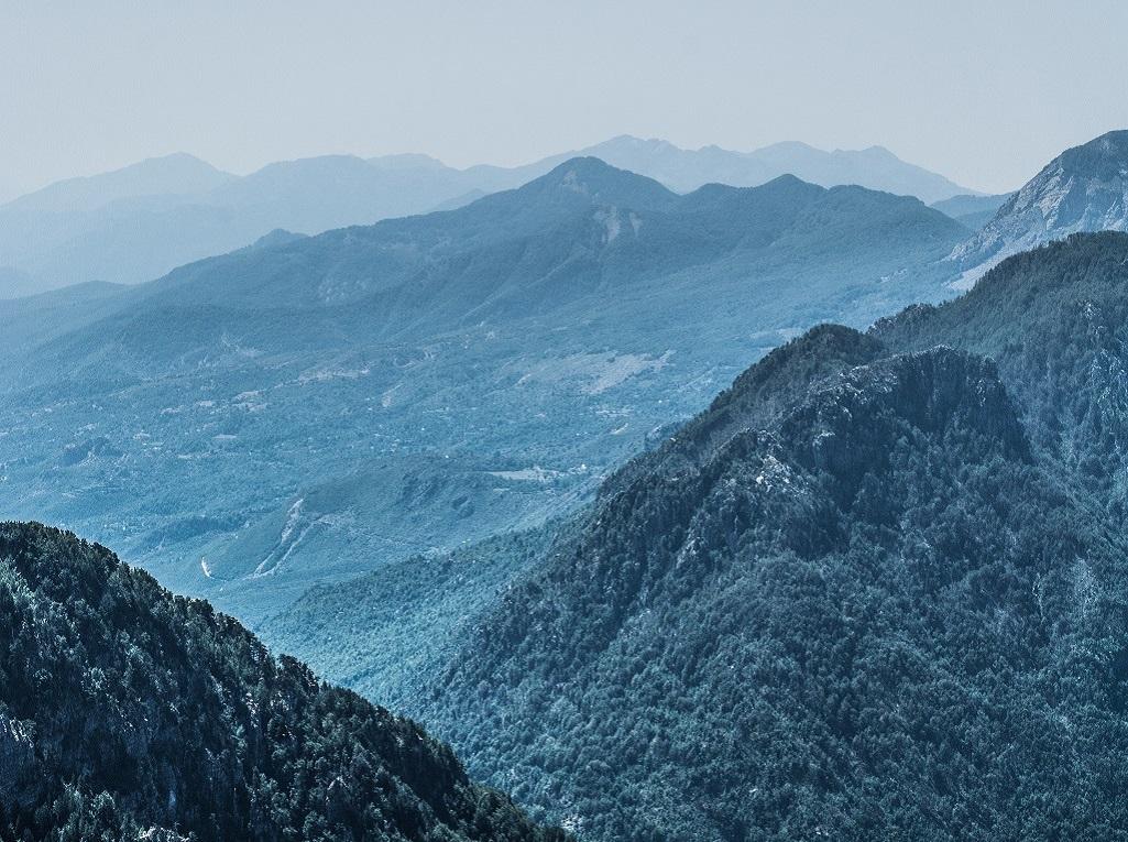 Parc national de Thethi : panorama depuis le monument à l'aventurière britannique Edith Durham, connue pour ses livres de voyage dans les Balkans pendant le XXe siècle - ©Teresa Suarez