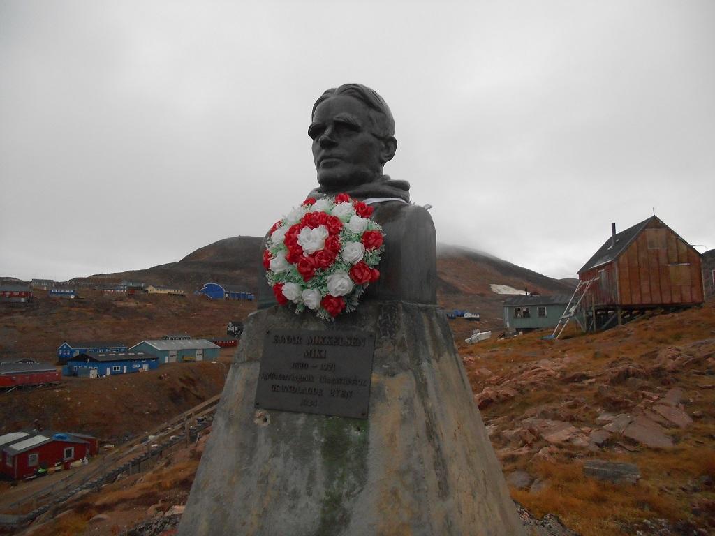 Buste de Ejnar Mikkelsen, gouverneur de la côte orientale du Groenland – ©Marie Foucard