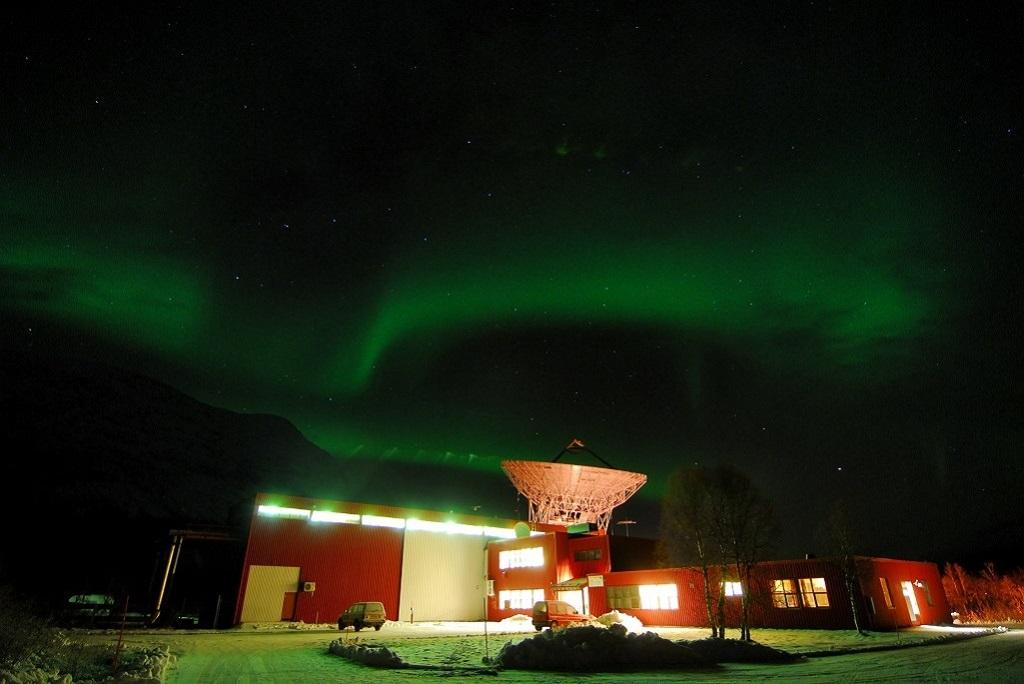 L'antenne UHF du radar EISCAT à Ramsfjord, à une trentaine de kilomètres de Tromsø