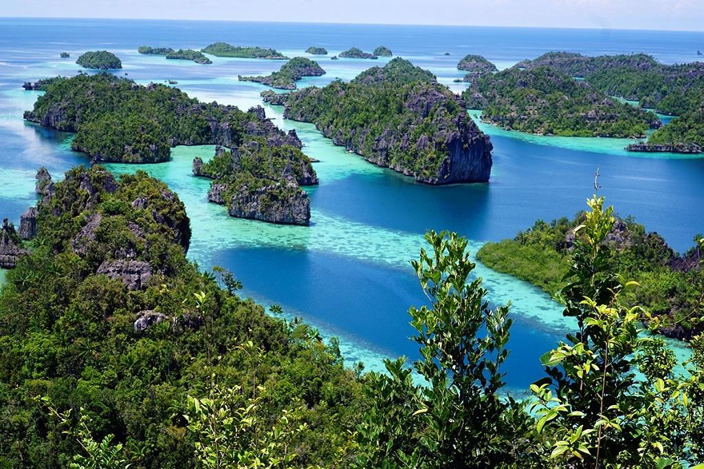 Puncak Harmat, Misool, Îles Raja Ampat, Indonésie