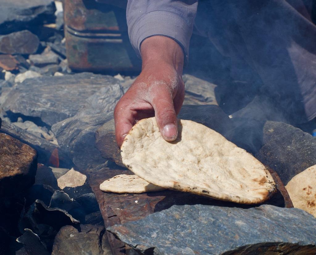Repas au camp de base du K2 - ©Philippe Barthez