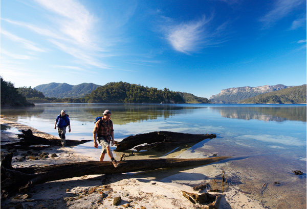 Lake Waikaremoana © Chris-McLennan