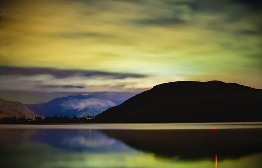 Les aurores australes © Andrew Hughes